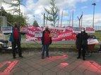 Bürgersteige und Radwege zum 1.Mai geschmückt in Kreuzberg
