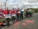 Bürgersteige und Radwege zum 1.Mai geschmückt in Tempelhof